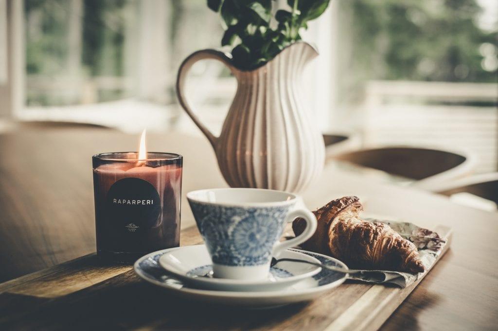 Saaren Taika huonetuoksu tuoksukynttilät sisustus lifSaaren Taika huonetuoksu tuoksukynttilät sisustus lifestyle (8 of 30)estyle (8 of 30)