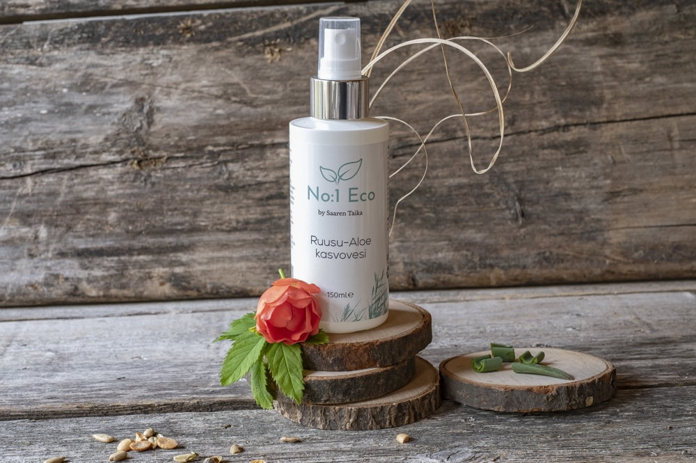 Ruusu kasvovesi täydentää puhdistusrutiinisi poistamalla ylimääräisen rasvaisuuden ja epäpuhtaudet iholtasi sekä tasapainottamaalla ihosi luonnollista pH-arvoa.